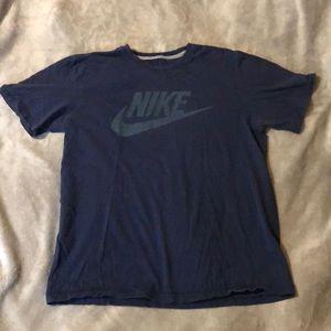Men's Nike Regular Fit Shirt